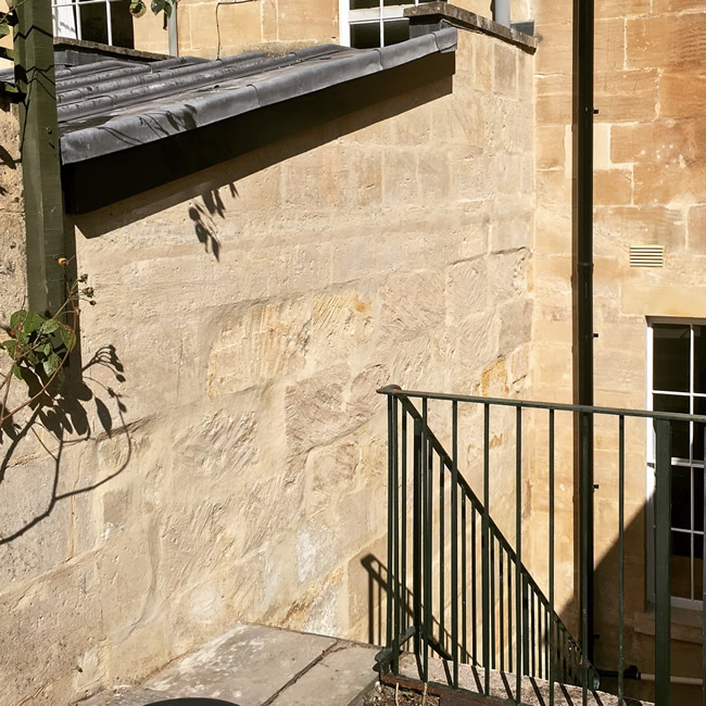Bath stone cleaning in bath